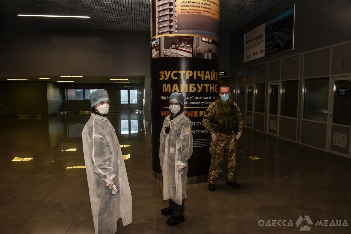 В аэропорту Одессы всех пассажиров начали проверять на коронавирус
