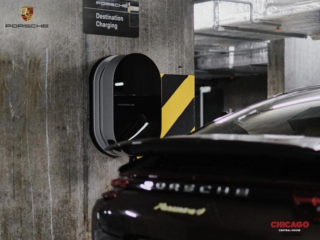 Зарядна станція Porsche Destination Charging