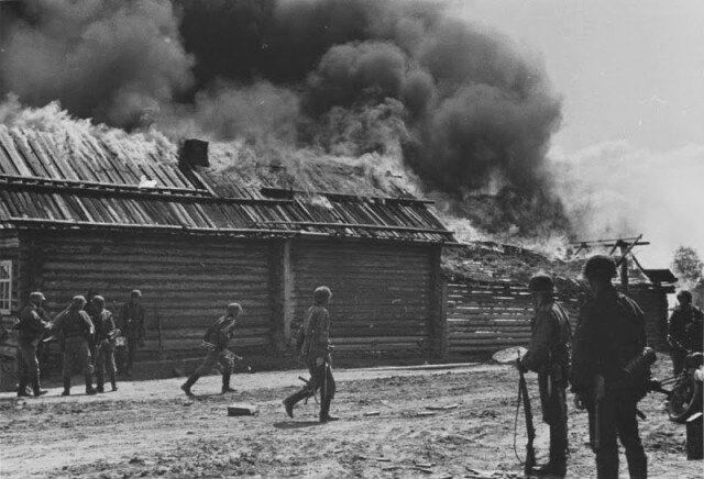 7000 жертв за два дня: в Украине чтут память жертв Корюковской резни