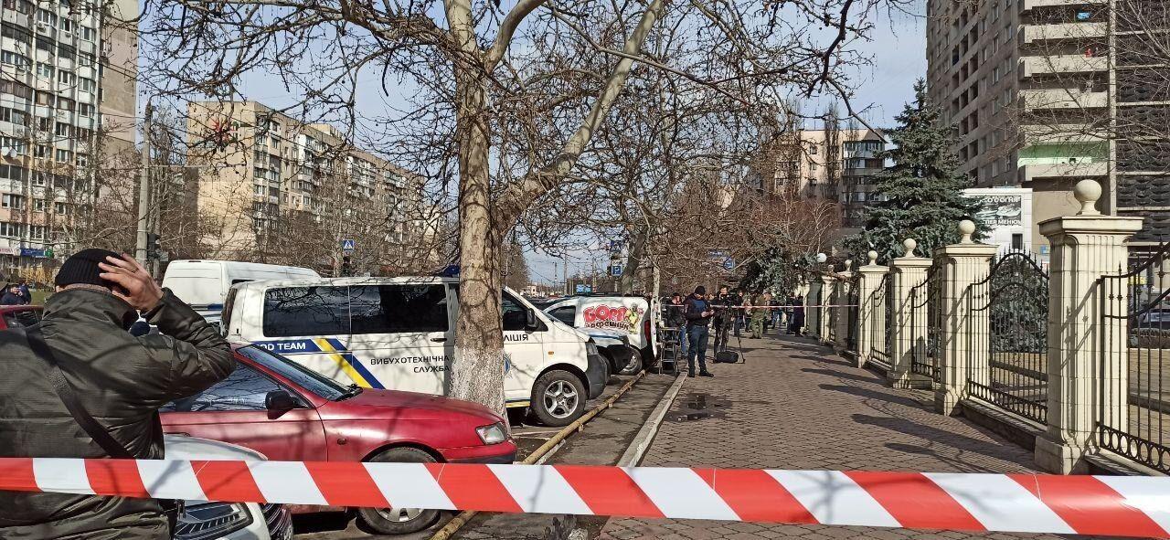Вооруженный заключенный взял в заложники судью в Одессе