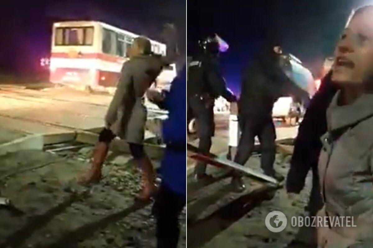 З'ясувалося, хто кидався на автобуси в Нових Санжарах