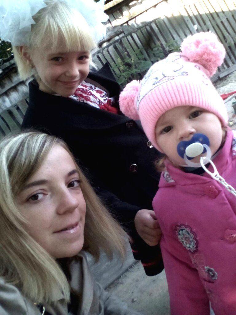 Татьяна вместе с 7-летней Вероникой и 2-летней Марьяной