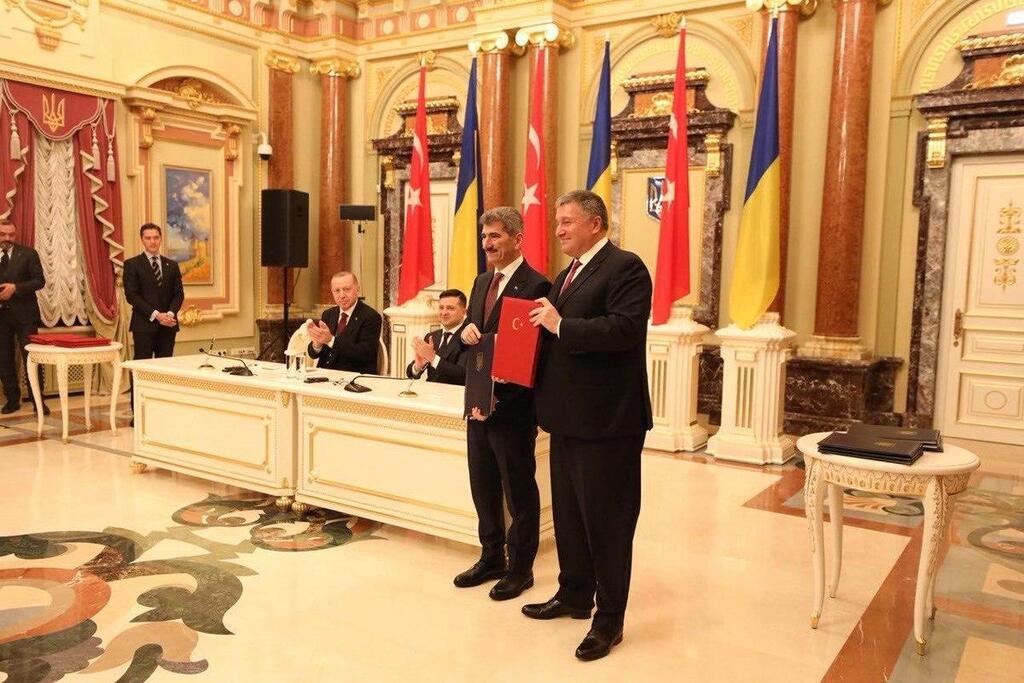 Украина и Турция подписали ряд соглашений