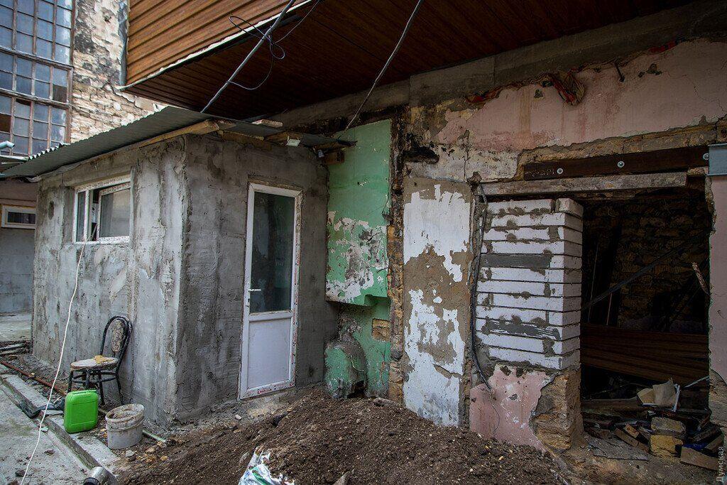 """В Одесі оштрафували господарку """"хатинки на курячих ніжках"""""""