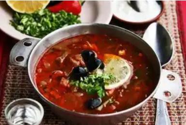 Рецепт смачної збірної солянки, щоб приготувати на обід і вечерю