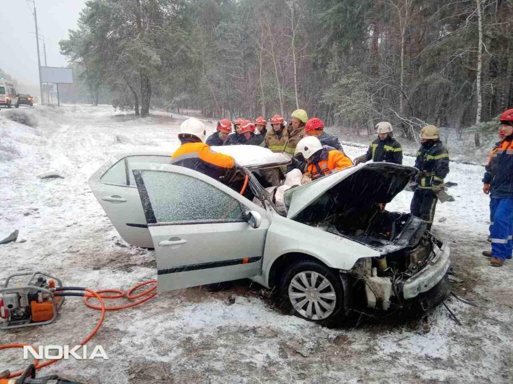 У Києві через негоду трапилася смертельна ДТП