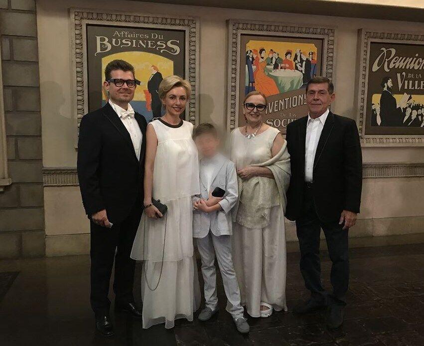 Андрій Сотник із сім'єю. Про нього відгукуються як про чудового професіонала і людину