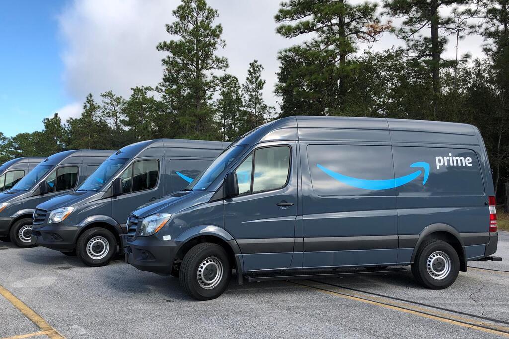 На сегодняшний день автопарк компании Amazon насчитывает более 30 тысяч развозных фургонов Mercedes-Benz Sprinter, Ram ProMaster и Ford Transit с обычными ДВС.