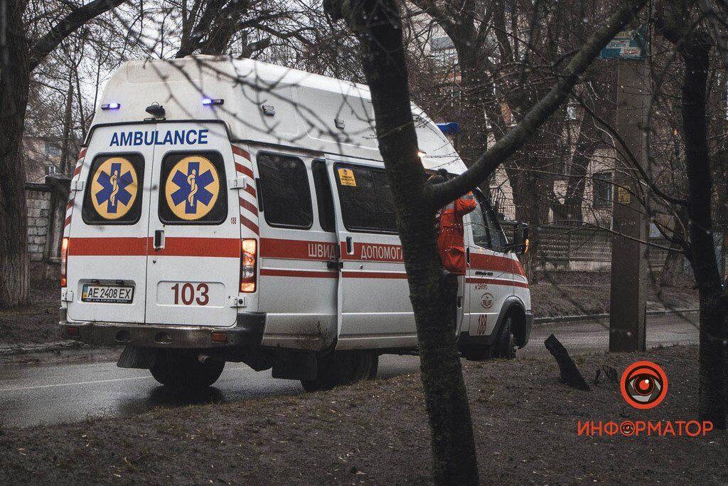 Школьник попал под колеса авто в Днепре