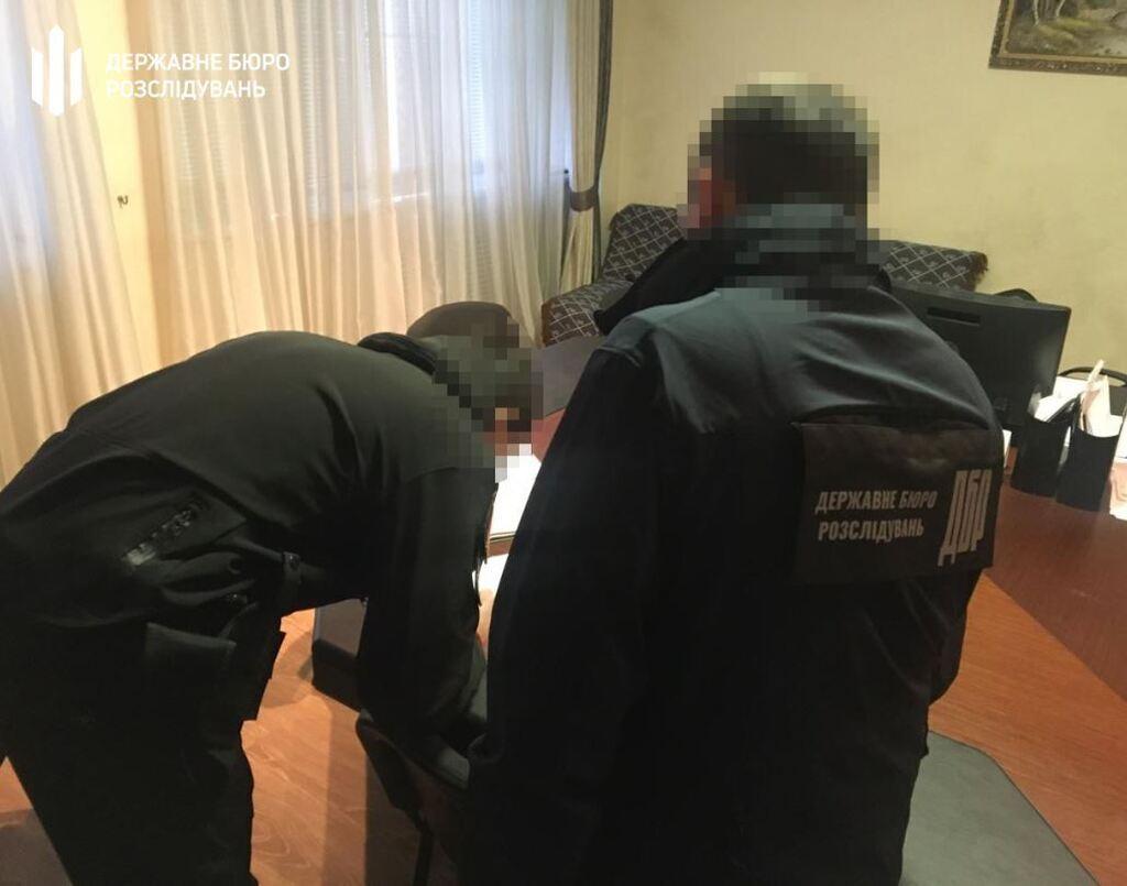 """В Одессе ловкий патрульный """"оштрафовал"""" туриста из США"""