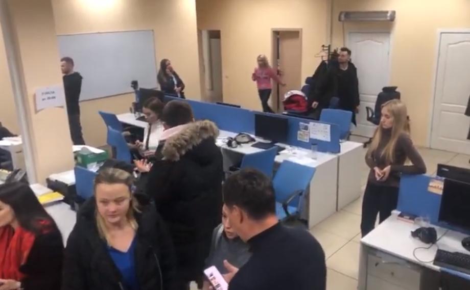 """СБУ нагрянула с обыском на """"1+1"""""""