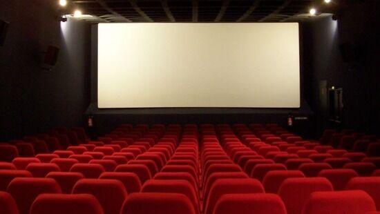 Візит у кіно — гарний подарунок хлопцю