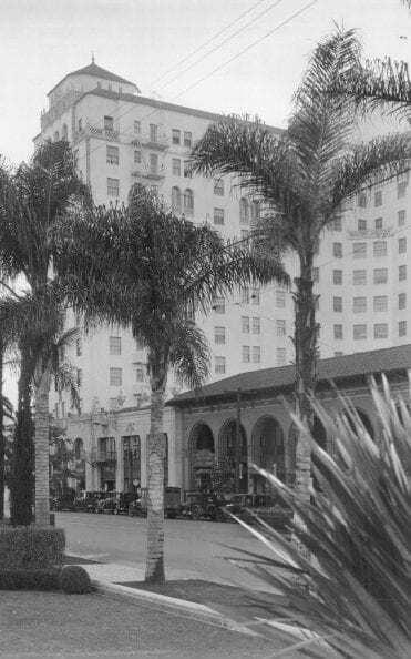 """Готель """"Рузвельт"""" в Голлівуді в 1929 році, де пройшла перша церемонія вручення """"Оскар"""""""