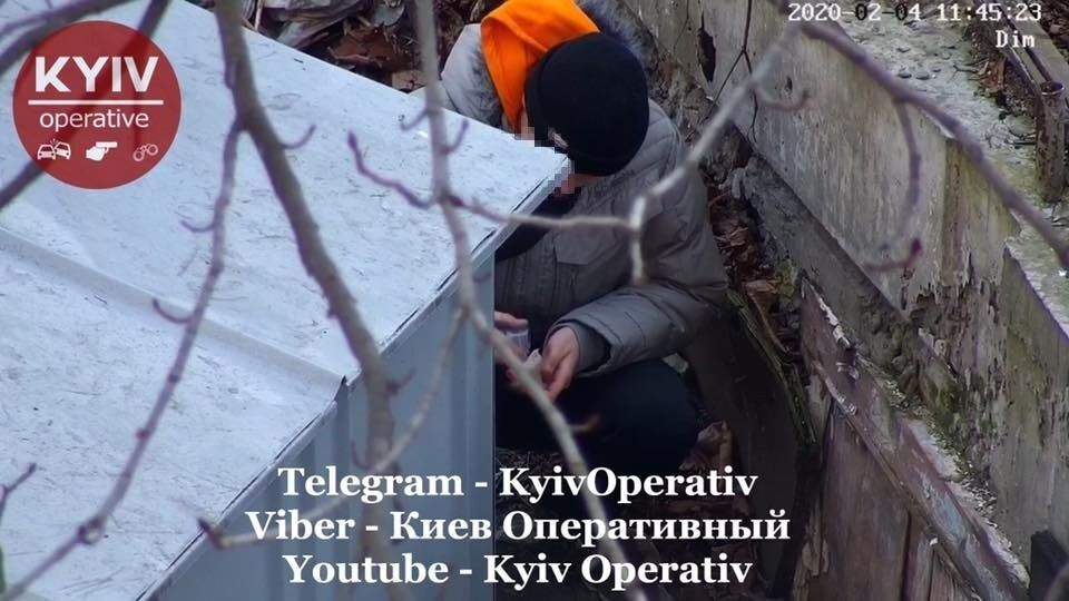 В Киеве попались на горячем двое подростков-наркоманов