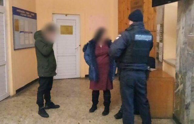 У Мукачеві патрульні побилися з водієм і пасажирами авто