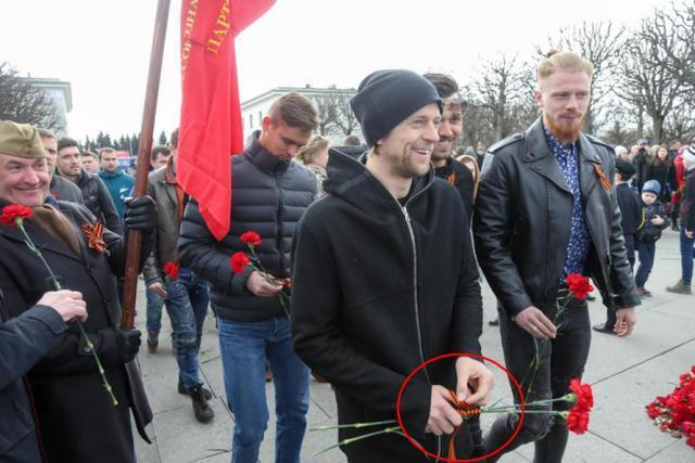 Анатолій Тимощук на параді на честь Дня перемоги