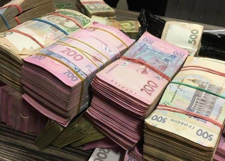 """Появились пикантные подробности о пакете денег в туалете """"новой мэрии"""" в Одессе (иллюстрация)"""