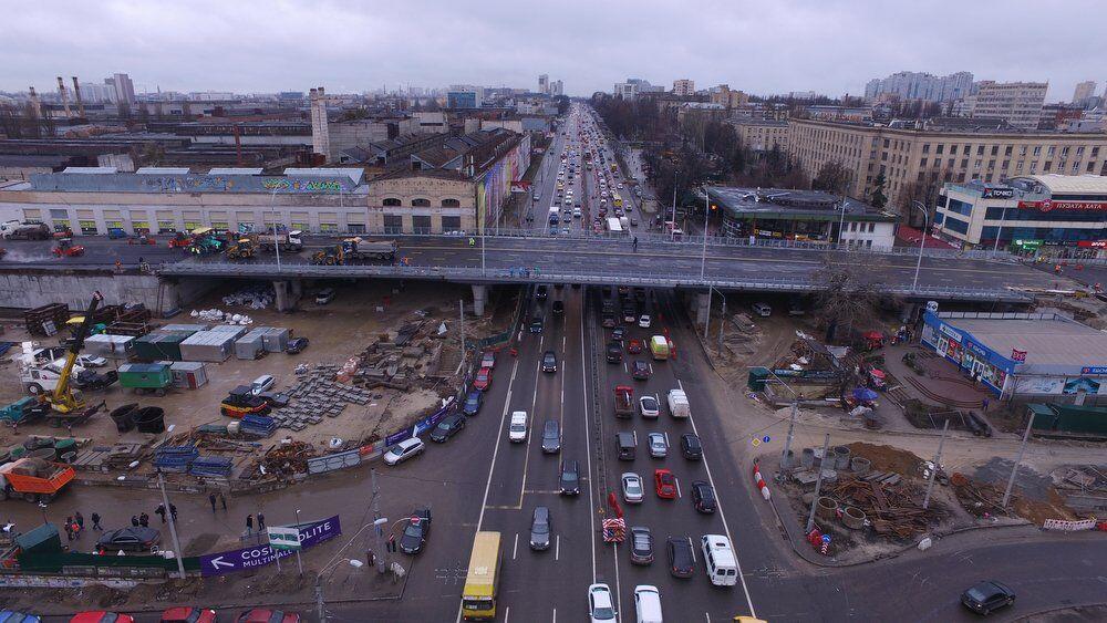 """На думку експерта, Шулявський шляхопровід просто """"пересунув"""" затори з однієї точки Києва до інших"""