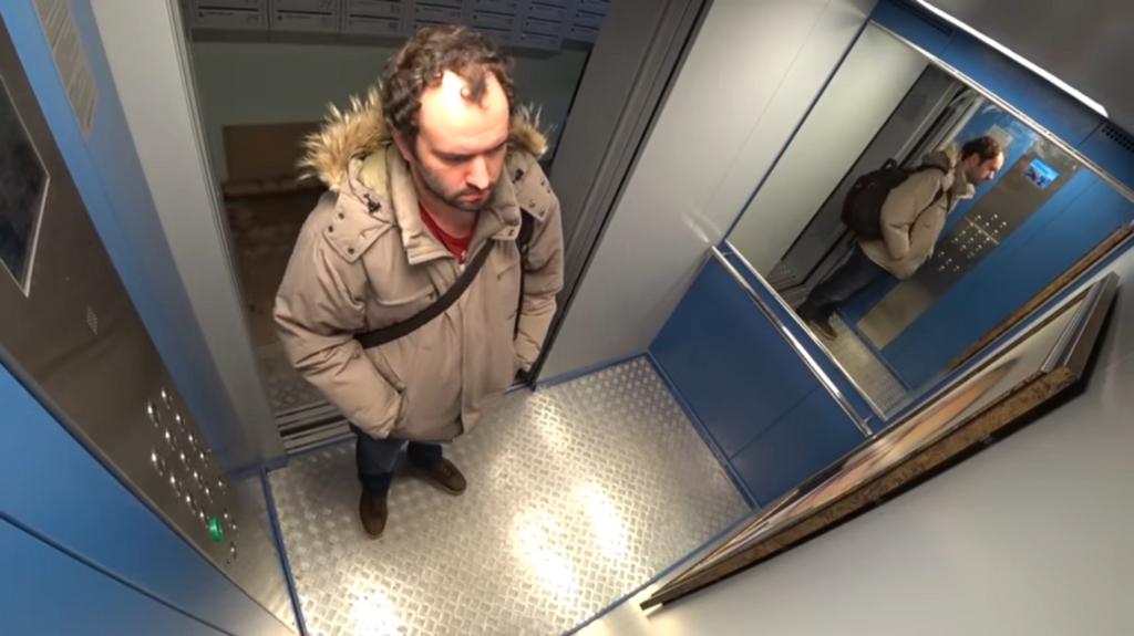 Реакция россиян на Путина в лифте развеселила сеть