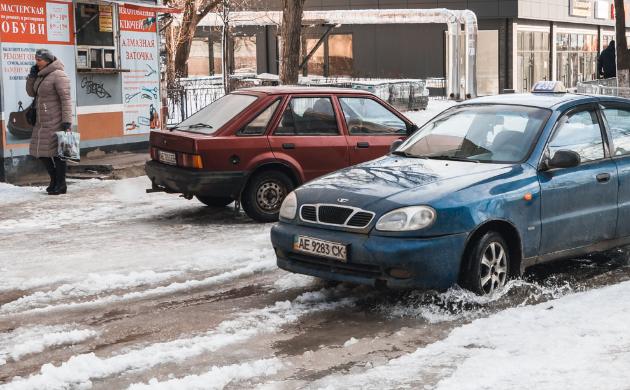 Вода залила перехрестя вулиць Калиновій та Образцова