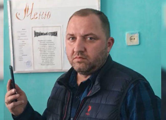 На собрании был человек, никакого отношения к происходящему не имеющий, – юрист Алексей Оленченко
