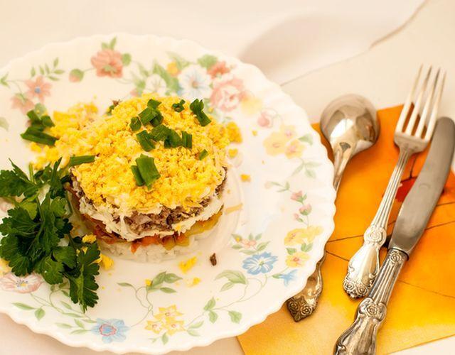 "Смачний салат ""Мімоза"" з грибами"