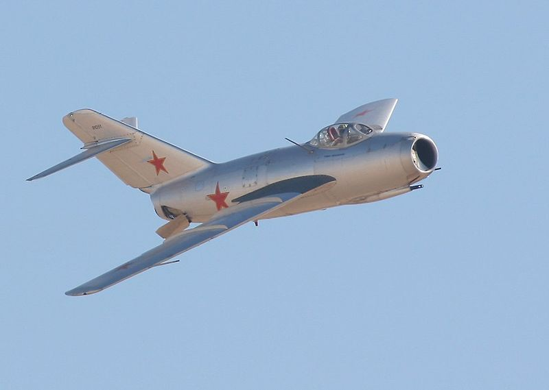 Винищувач МіГ-15