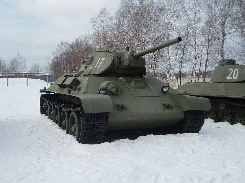 Танк Т-34 1941 року випуску в бронетанковому музеї в Кубинці, Московська область, Росія