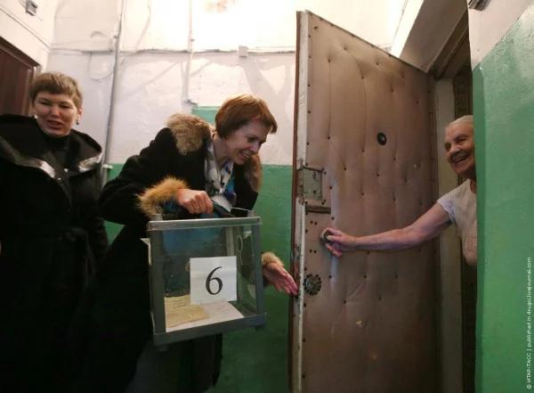 Сепаратисты ходили по квартирам с выносной урной