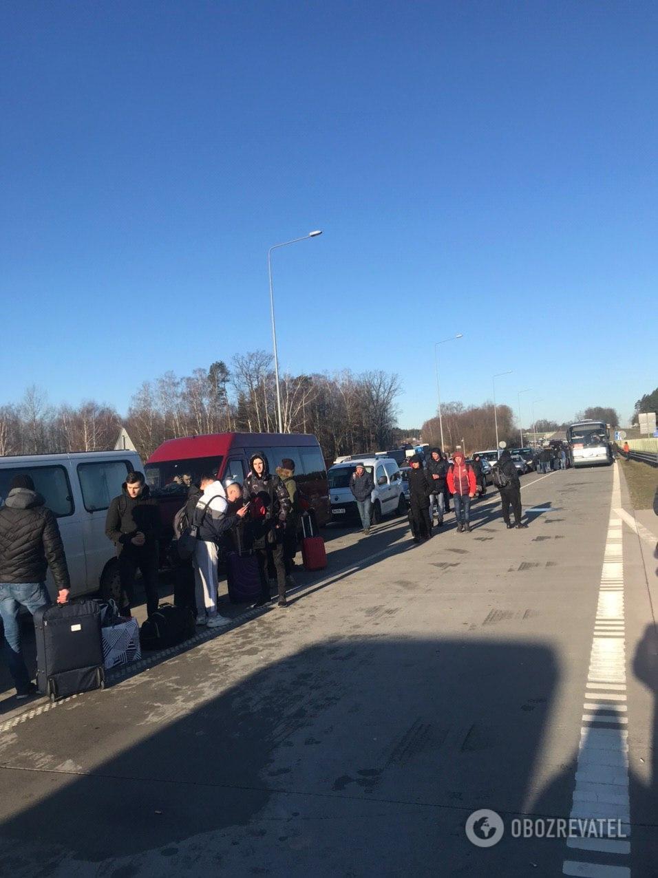 Граница с Польшей закрыта, тысячи украинцев застряли: эксклюзив