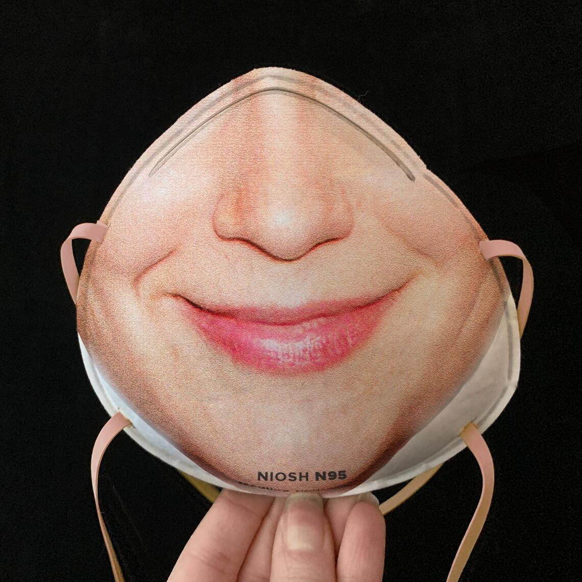 Дизайнер придумала оригинальные маски от коронавируса. Фото