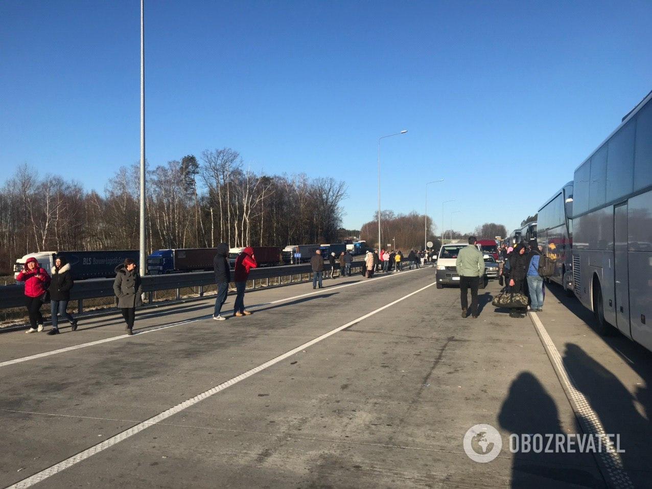 На польско-украинской государственной границе перекрыли пограничное движение