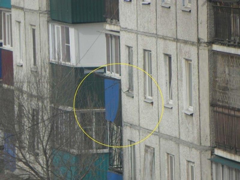 В Чите вертолет выстрелил по жилому дому