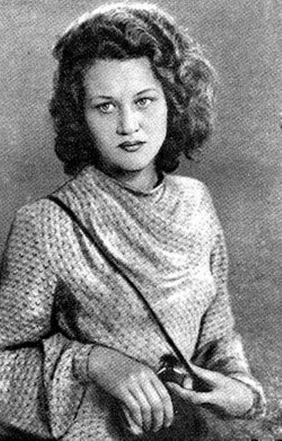 18-летняя Лина Костенко, 1948 год