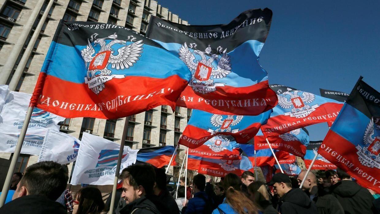 """Переговоры Украины с ОРДЛО: в """"Слуге народа"""" объяснили скандал"""