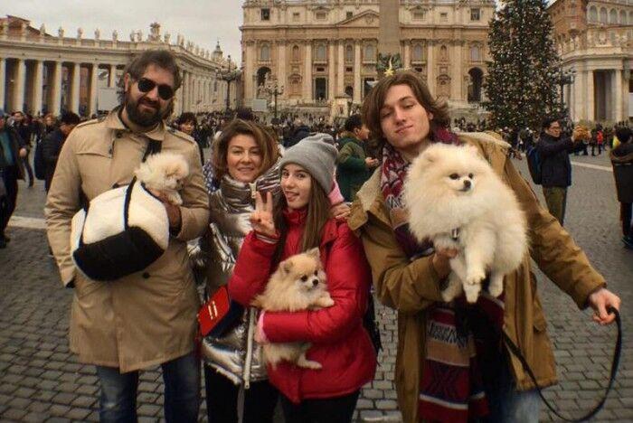 Жанна Бадоева с семьей