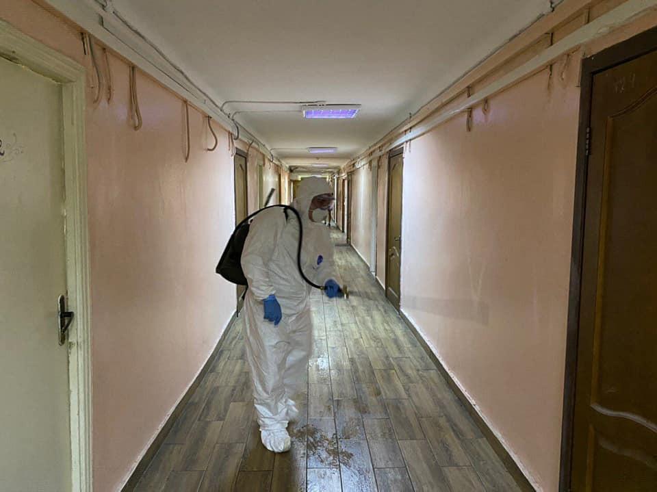 У Києві обробили Інститут Глієра, де вчиться онука потерпілої від коронавірусу