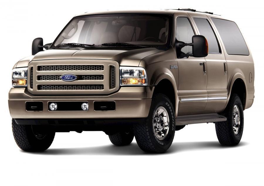 Ford Excursion – самый большой внедорожник Ford в 1999-2005 гг. Двигатели – бензиновые и дизельные V8 и V10, конструкция – рамная