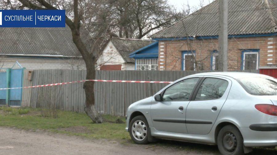 Дом в селе Приднепровское, где произошло тройное убийство детей