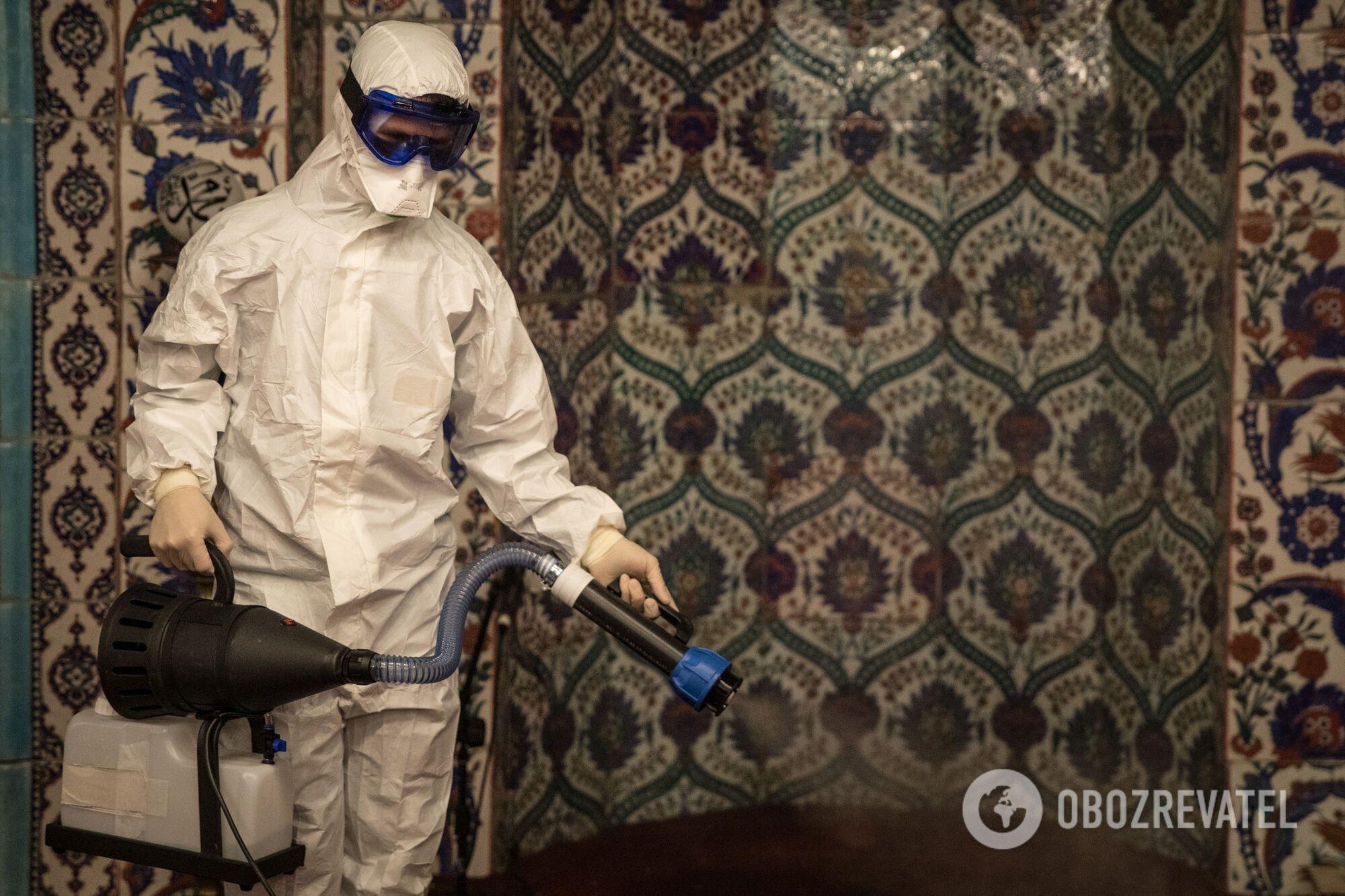На Тернопільщині під виглядом дезінфекторів ходять шахраї