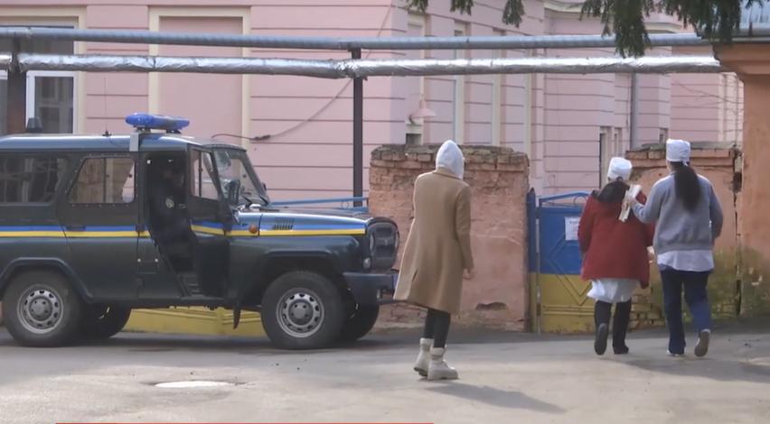 Кадри з епіцентру коронавируса в Україні