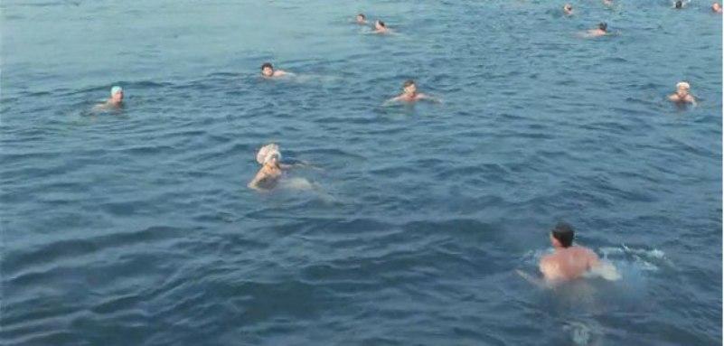 Вода в море была жутко холодной