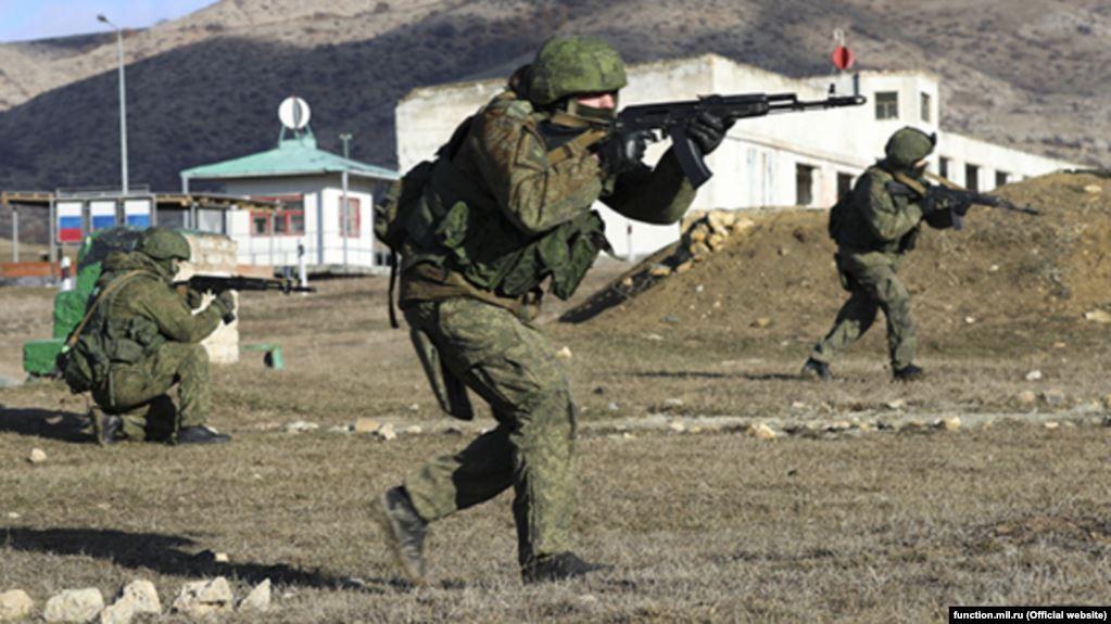 После аннексии Крыма в 2014 году Россия проводит регулярные военные учения на полуострове