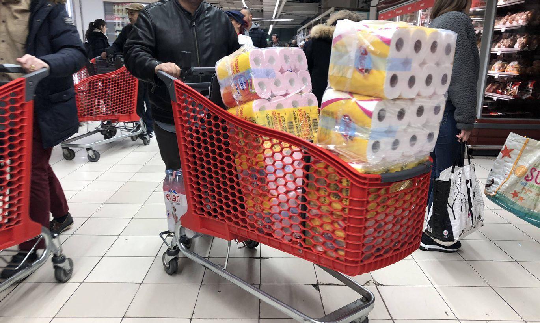 Почему люди скупают туалетную бумагу во время эпидемии коронавируса