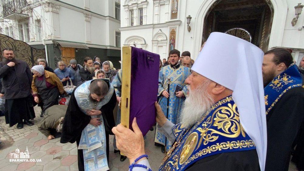 Одесские священники хотят молитвой спасти страну от коронавируса