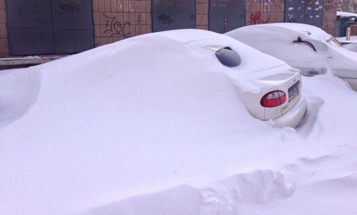 Снежный апокалипсис повторяется? Как Киев выглядел 22-23 марта 2013 года. Фото и видео