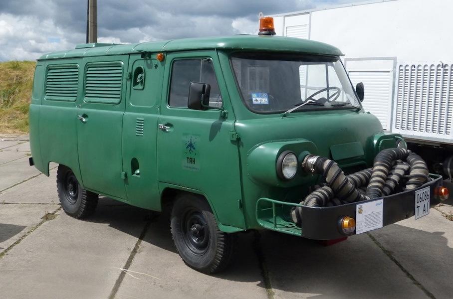 Внешне особый УАЗ отличался от стандартной модели