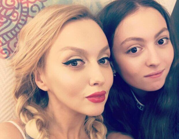 Оля Полякова з донькою Машею