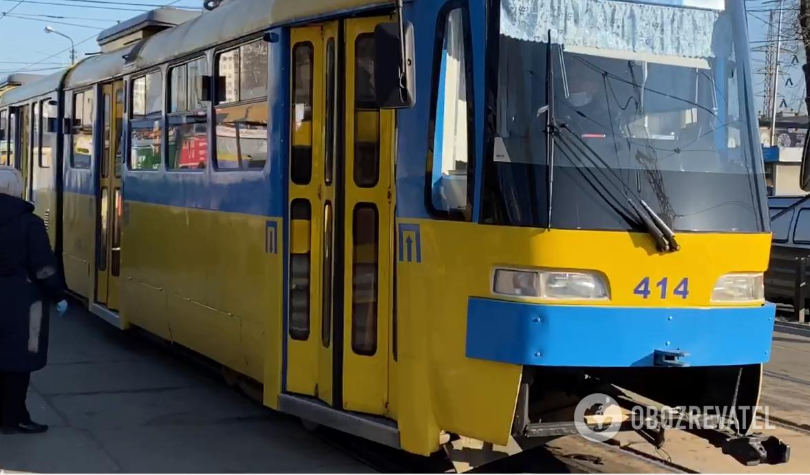 В Киеве запустили спецтранспорт