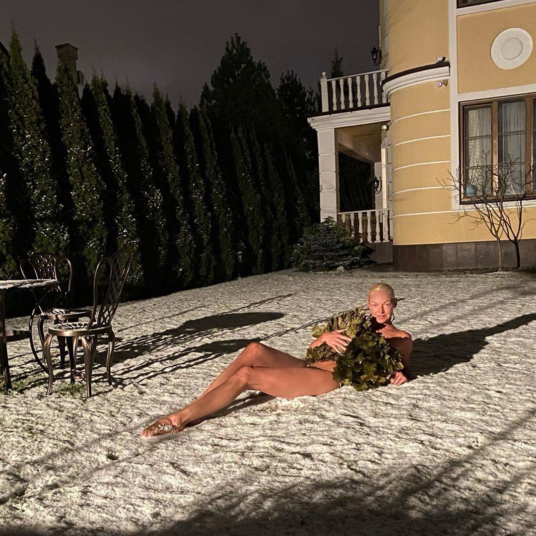 Анастасия Волочкова полностью голая